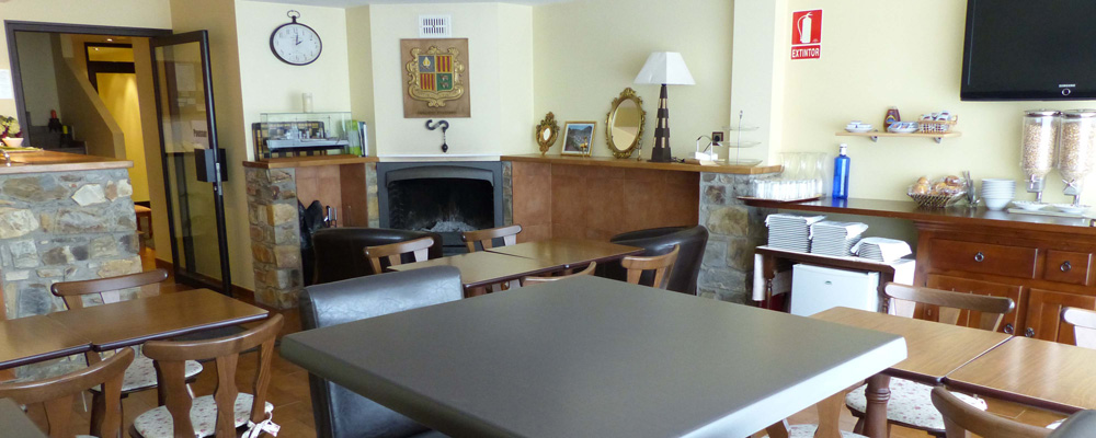 Les Truites dining room